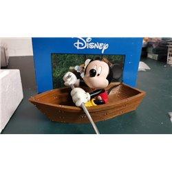 Fingendi Mickey in Boat By Peter Mook